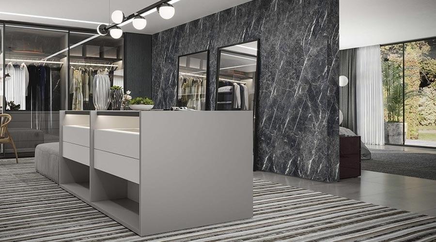 Paletas de inspirações abre novas perspectivas no décor. Na foto, closet com o padrão laminato Pietra Milano