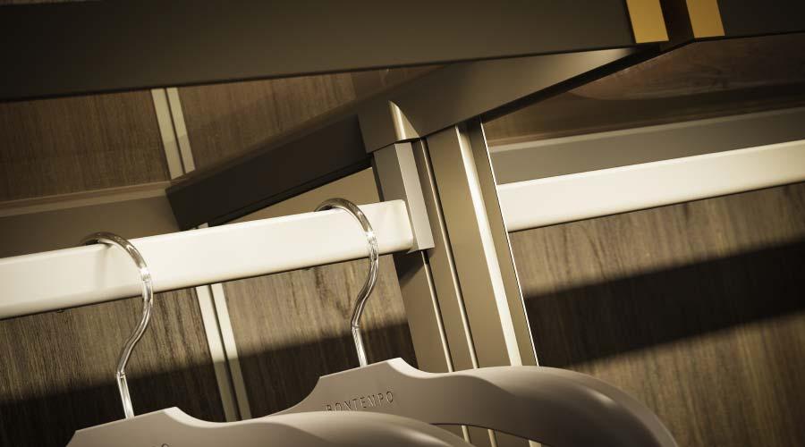 No portfólio de clientes do Decoma Design figuram empresas como Boffi, Poliform, Varenna, Rimadesio, Porro e Ermenegildo Zegna, entre outras