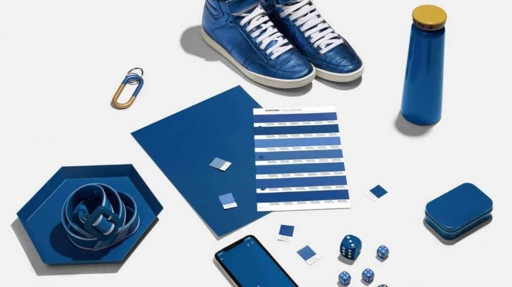 A Pantone também divulgou cinco paletas de cores exclusivas para combinar com o Classic Blue, permitindo incorporá-lo em qualquer projeto